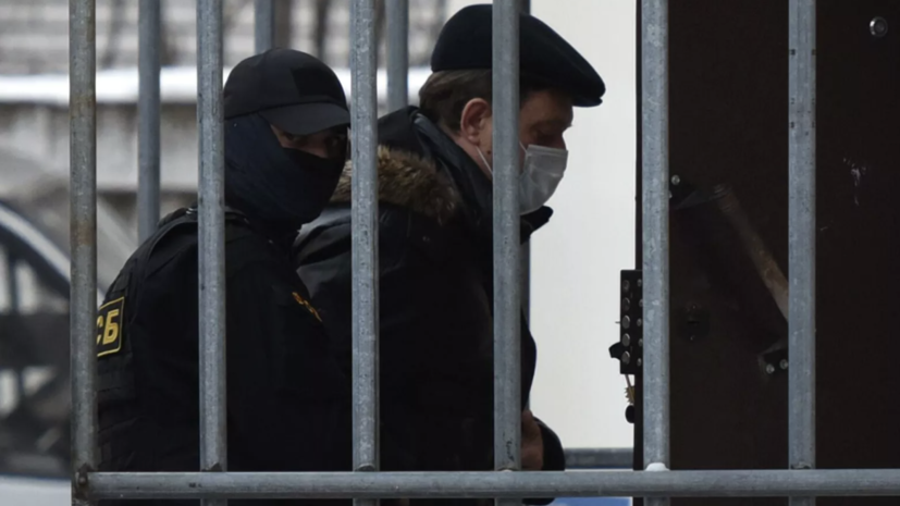 Суд оставил отстранённого от должности мэра Томска Кляйна в СИЗО