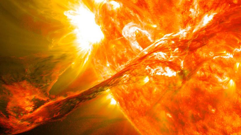 Учёные сообщили о мощной вспышке на обратной стороне Солнца