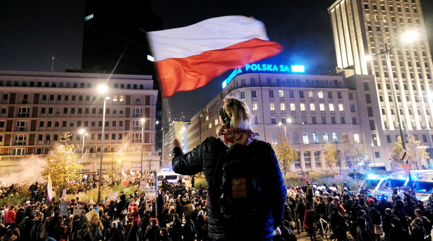 «Экономическая колонизация»: почему в Польше заговорили об угрозе распада Евросоюза