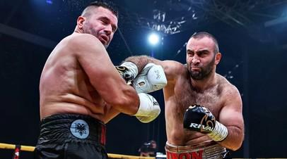 Российский боксёр Мурат Гассиев и албанец Нури Сефери