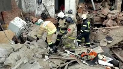Видео с места обрушения гаражей в Мытищах