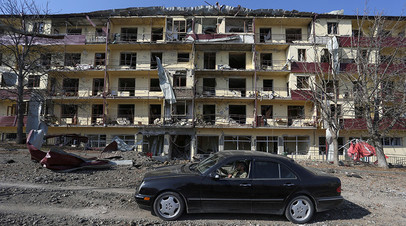 Последствия обстрела в городе Шуши