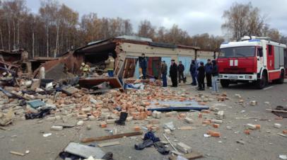 В Мытищах из-под завалов гаражей достали тело погибшего