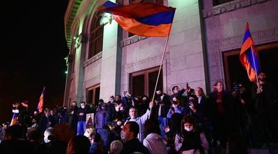 Задержаны более 60 человек: протестующие в Ереване вышли на митинг против Никола Пашиняна