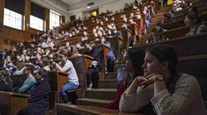 В Партии пенсионеров прокомментировали ситуацию с платой за обучение студентами