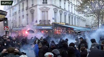 В Париже проходит акция протеста против закона «О глобальной безопасности»