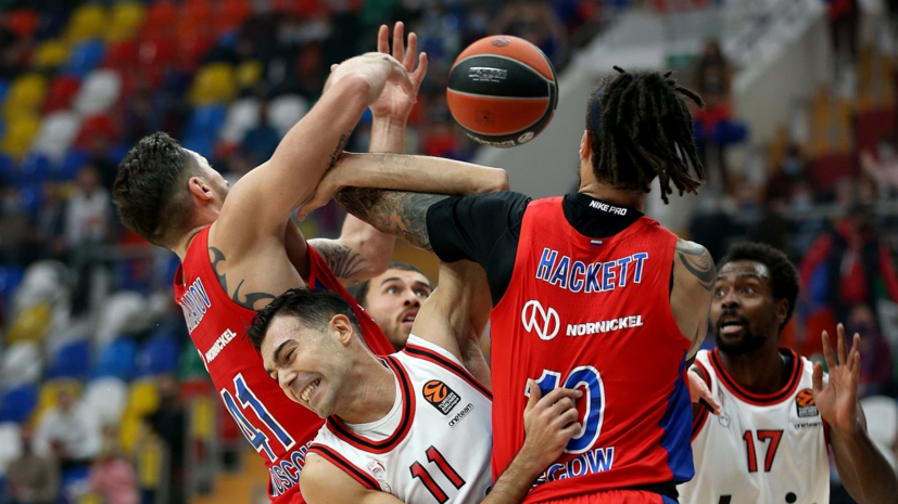 ЦСКА одержал седьмую подряд победу в Евролиге, обыграв «Олимпиакос»