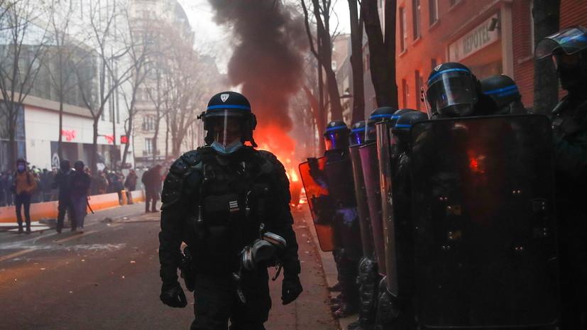 Глава МВД Франции сообщил о 64 задержанных в ходе протестов
