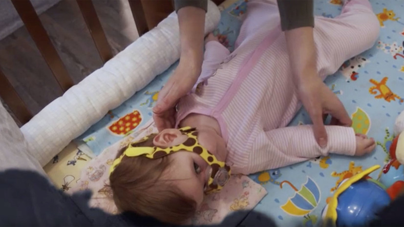 «Чувствуешь себя беспомощней своего ребёнка»: на RTД вышел фильм о детях с диагнозом СМА