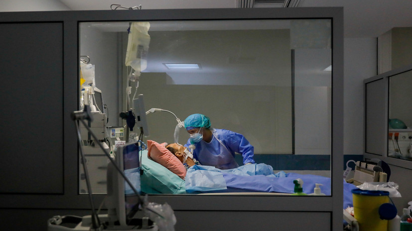В Греции за сутки выявили 916 новых случаев коронавируса