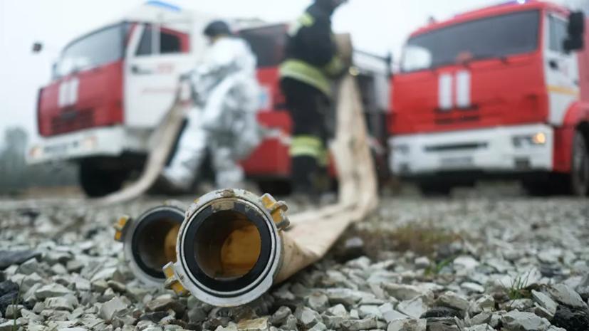 В Красноярске ликвидировали открытое горение на складе