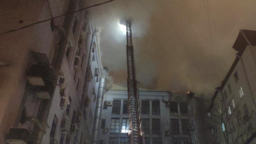 Пожар в здании Мосгоргеотреста потушен