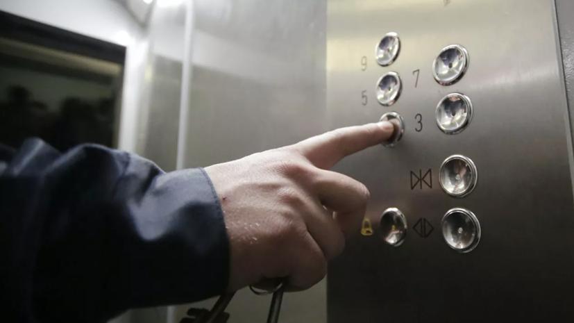 Кабмин выделит 750 млн рублей на замену старых лифтов в домах