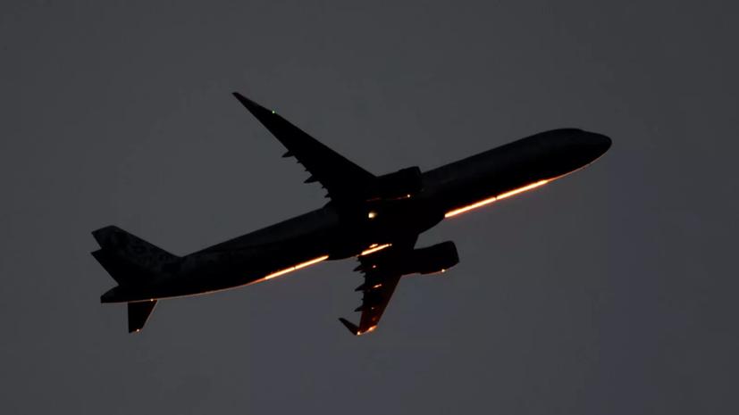Следовавший в Уфу самолёт совершил вынужденную посадку в Сургуте