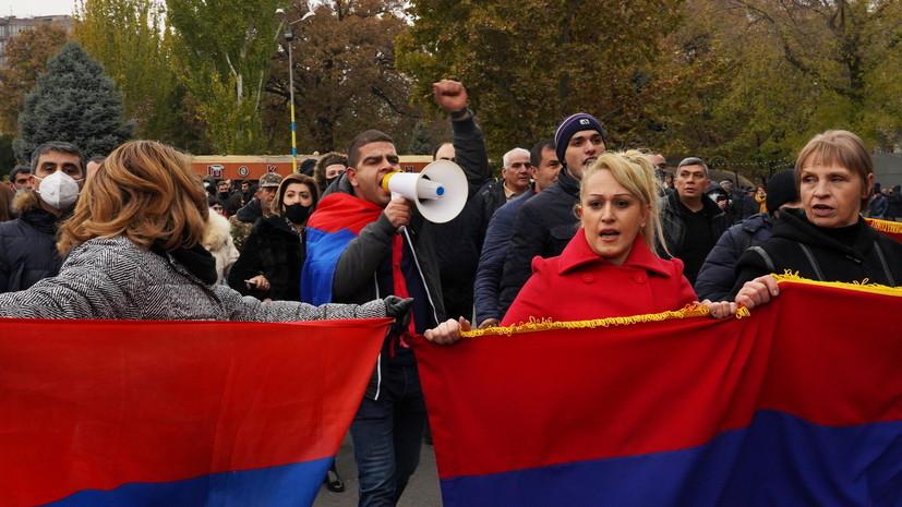Оппозиция установила палатки на площади около здания кабмина Армении