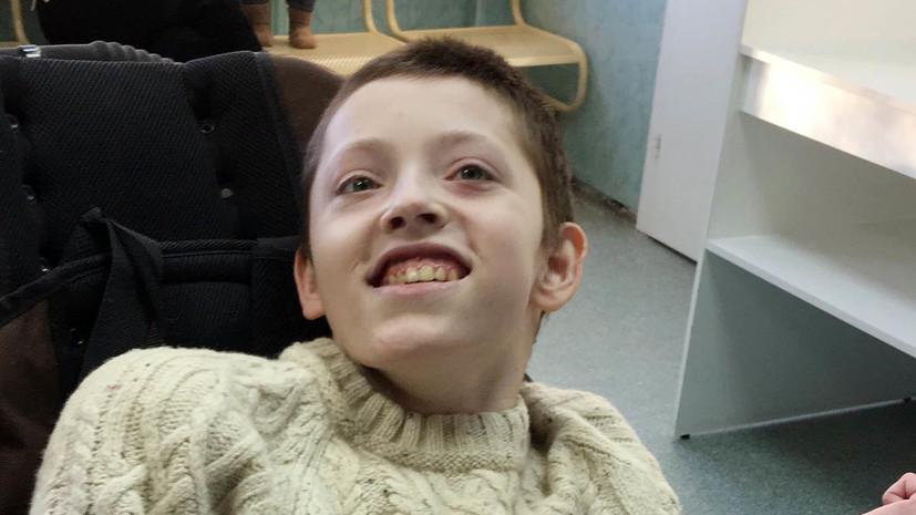 «Не могла выйти на связь»: родители детей-инвалидов добиваются права сопровождать их в больнице при заболевании COVID-19