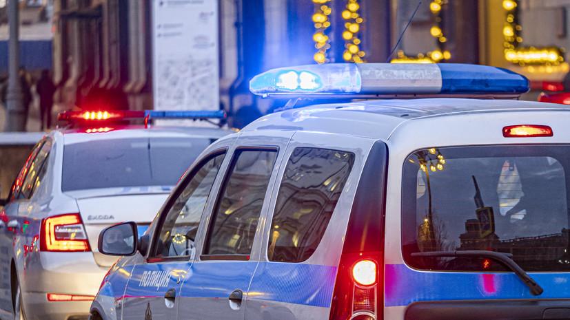 На западе Москвы неизвестный ранил девушку из пистолета