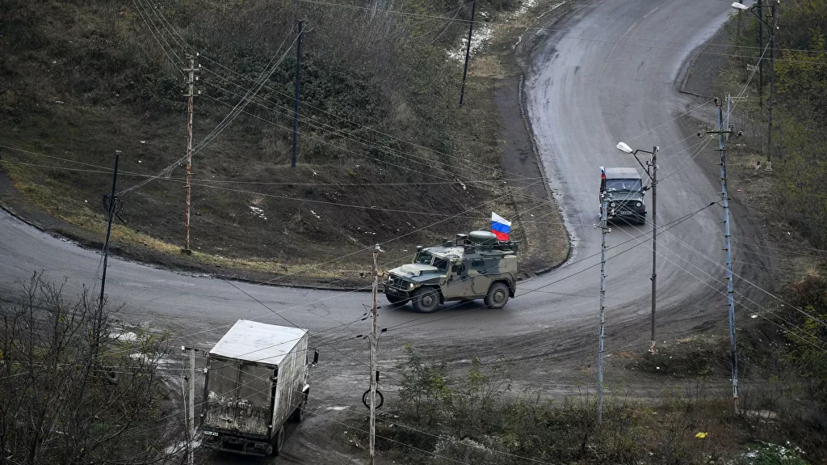 Российские миротворцы сопроводили колонны ВС Азербайджана в Карабахе