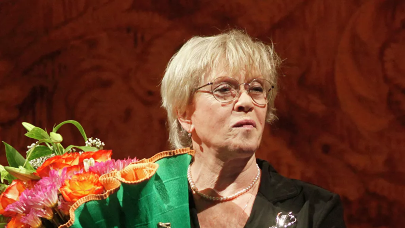 Алису Фрейндлих госпитализировали с коронавирусом