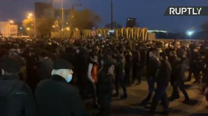 В Ереване протестующие потребовали отставки Пашиняна