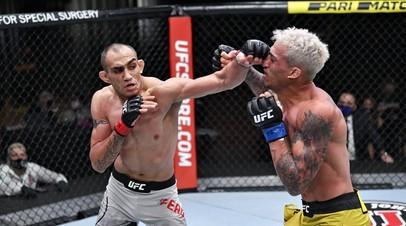 Бойцы UFC Тони Фергюсон и Чарльз Оливейра