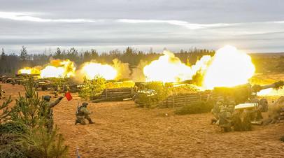 Российские артиллеристы на учениях