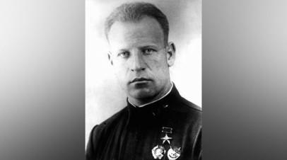 Командир 5-го гвардейского истребительного авиационного полка В.А. Зайцев. Май 1942 года