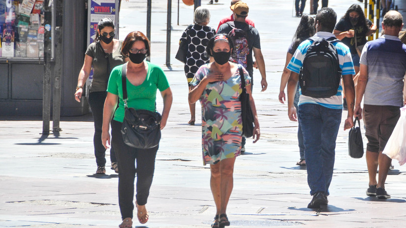 В Бразилии число выявленных случаев коронавируса достигло 7 961 673