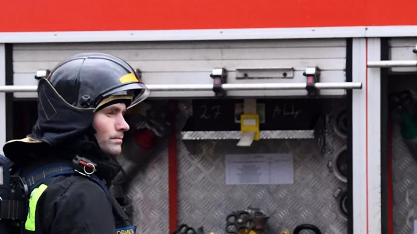 На территории мебельной фабрики в Подмосковье произошёл пожар