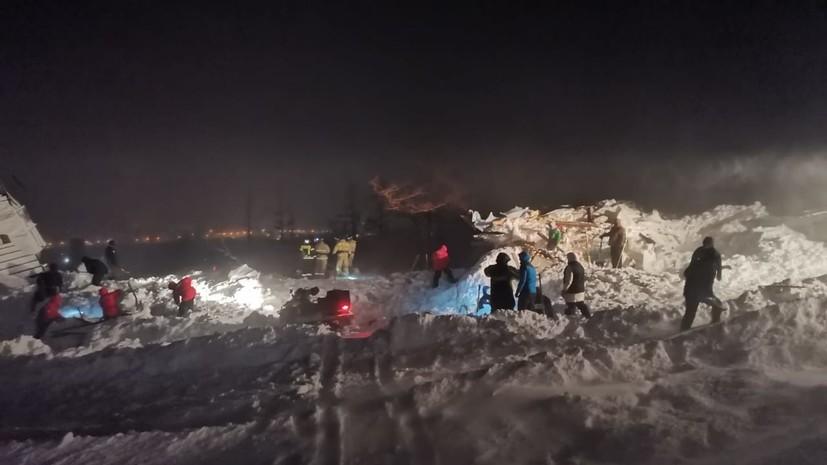 Спасатели обнаружили тело женщины на месте схода лавины в Норильске
