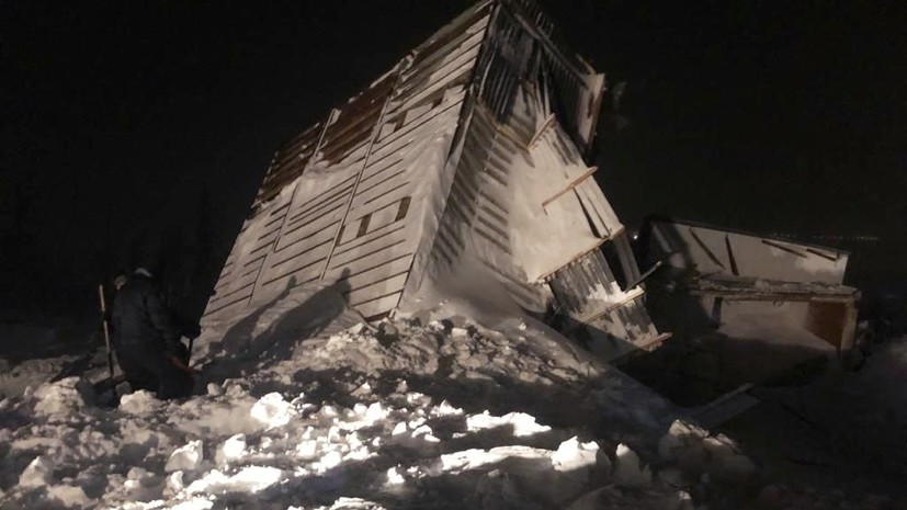 На месте схода лавины в Норильске нашли тело третьего погибшего