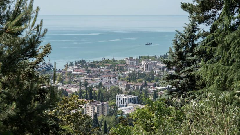 Половина Абхазии осталась без света после аварийного отключения