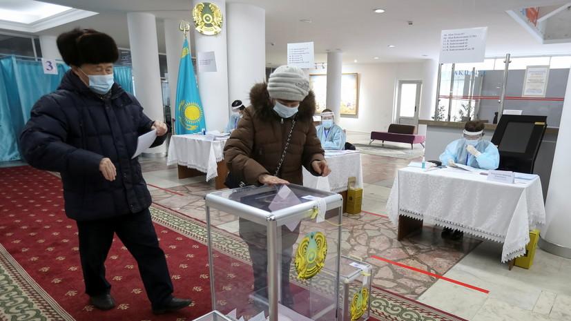 Явка на парламентские выборы в Казахстане к 16:00 превысила 50%