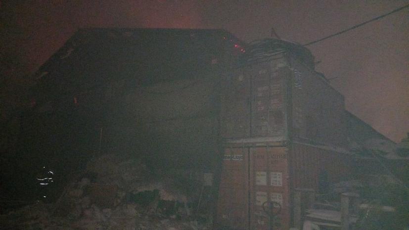 В Подмосковье потушили пожар в ангаре с лакокрасочными материалами