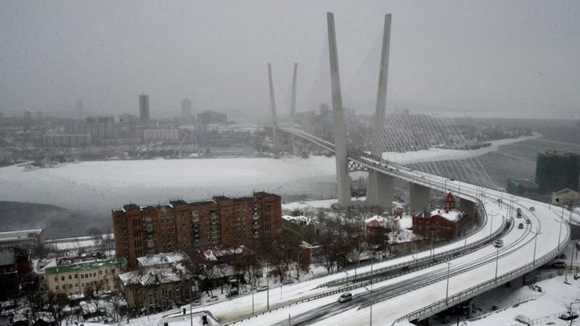 Большегрузам запретили въезд во Владивосток из-за непогоды