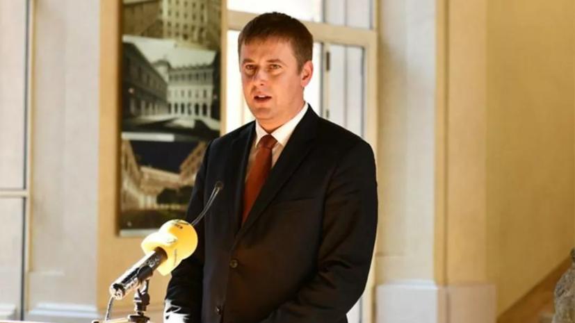 Глава МИД Чехии сдал положительный тест на коронавирус