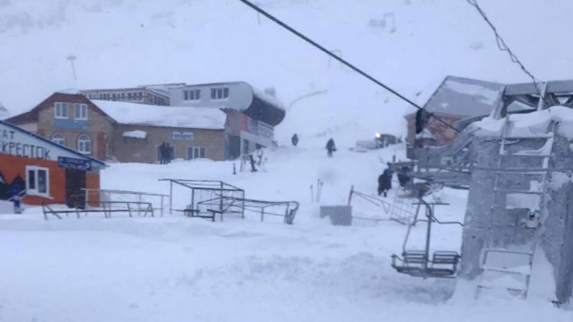 Один человек погиб в результате схода лавины в КЧР