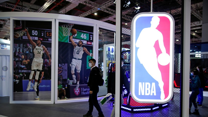 Комиссар НБА заявил, что лига рассматривает вариант с вакцинацией баскетболистов
