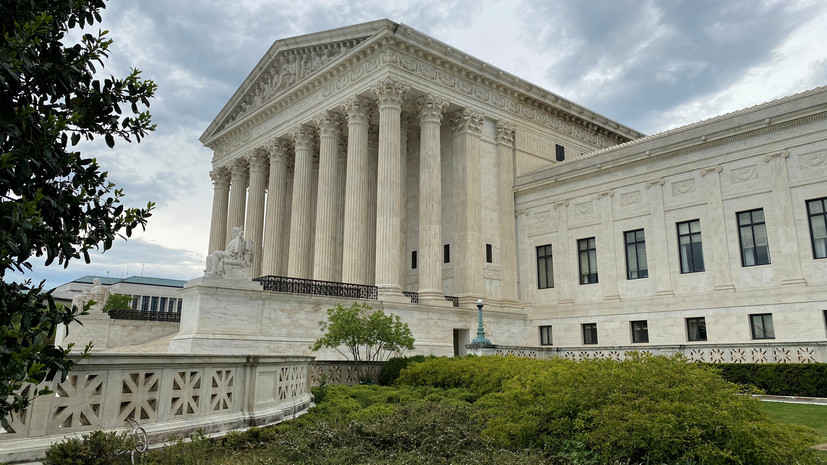 Верховный суд США эвакуируют из-за угрозы взрыва