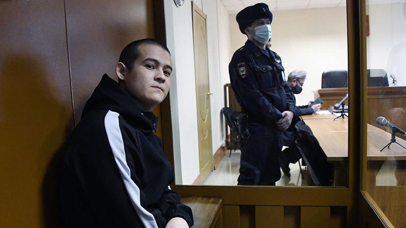 С взысканием 9,8 млн рублей: расстрелявшего сослуживцев солдата-срочника приговорили к 24,5 года колонии