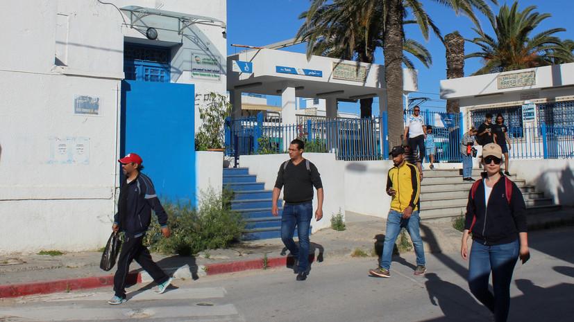 В Тунисе намерены вновь ввести комендантский час из-за коронавируса