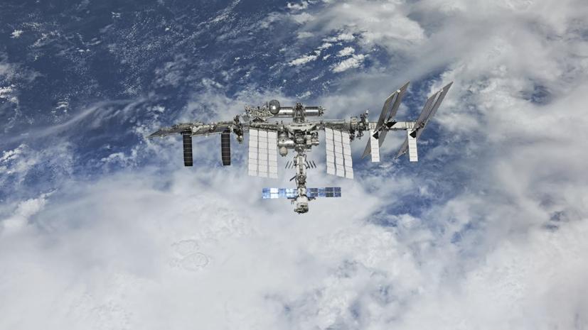 Астронавты NASA вышли с борта МКС в космос для монтажных работ