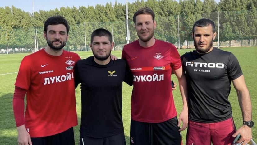 Визит Нурмагомедова, травма Азмуна и два удаления Сулейманова за сутки: как ведущие российские клубы проводят межсезонье