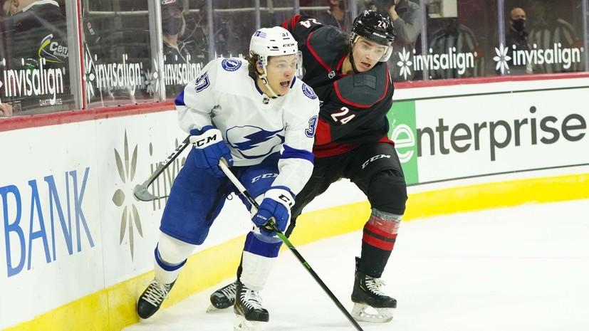 «Тампа» уступила «Каролине» в НХЛ, несмотря на 35 сейвов Василевского