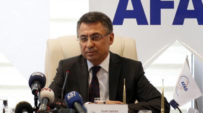 Вице-президент Турции вакцинировался от коронавируса