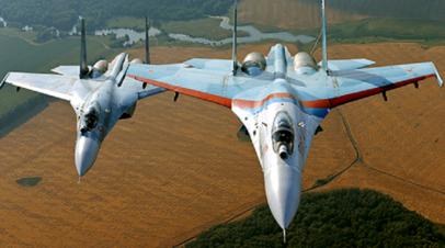 Звено истребителей Су-27