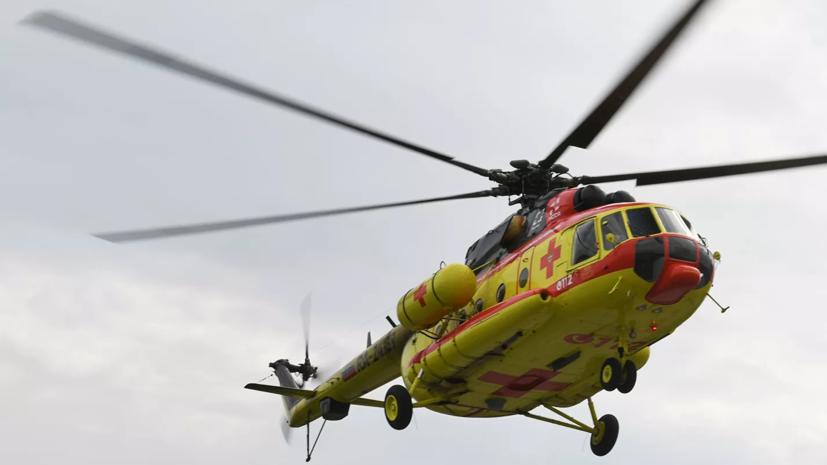 На Чукотке ураган повредил два вертолёта санитарной авиации