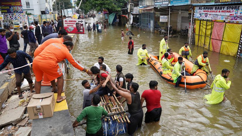 ANI: в Индии до 150 человек пропали во время наводнения
