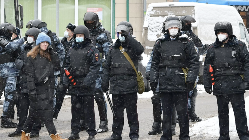 В Москве задержан участник незаконной акции, напавший на полицейского