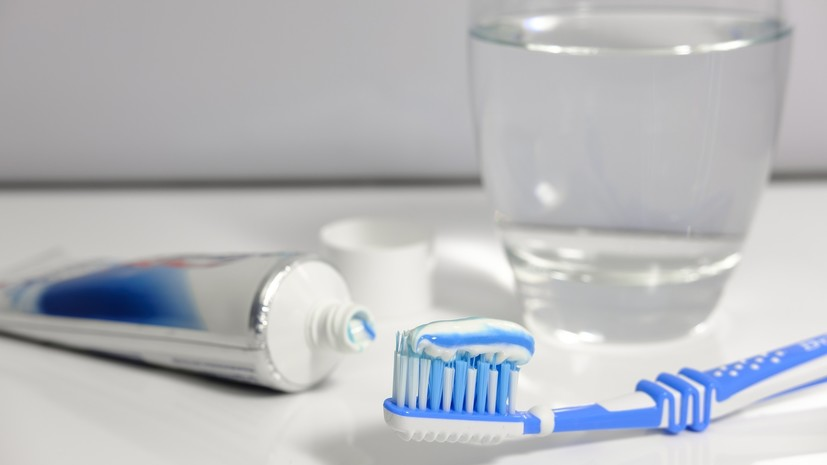 Стоматолог дал рекомендации по уходу за зубами